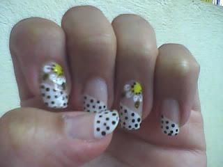 unhas espanhola, poá e flores amarelas blog chique lú
