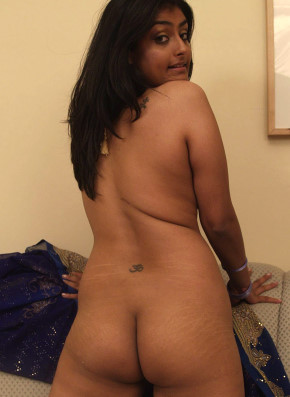 hot girl meena showing her full nude
