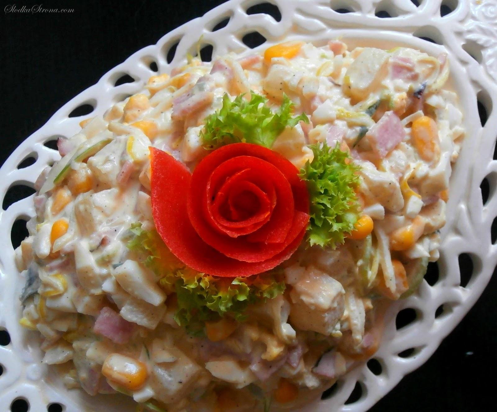 Sałatka z Szynką i Ananasem - Przepis - Słodka Strona