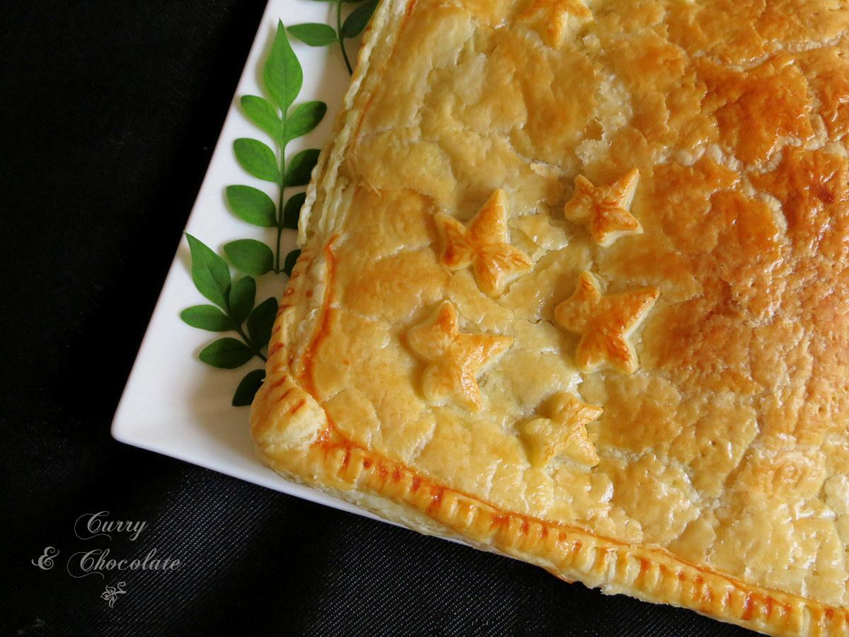 Empanada de hojaldre con carne picada y morcilla de Burgos  - Morcilla de Bugos and pork stuffed puff pastry