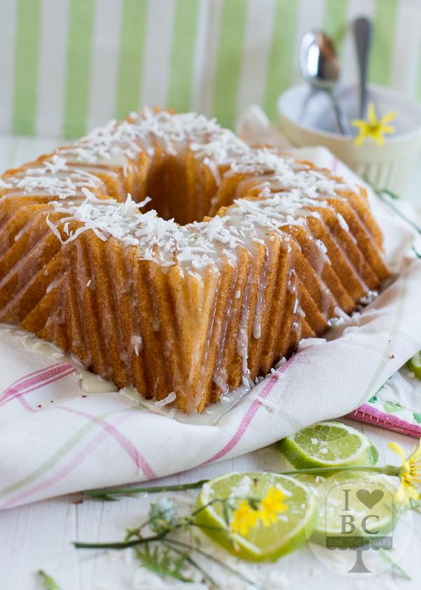 Bundt Cake de lima y coco