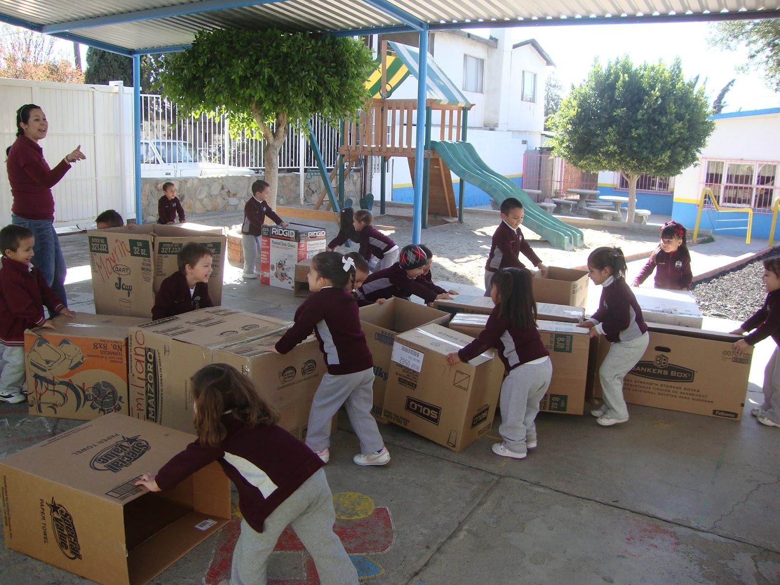 Mi Mundo Estancia Infantil Y Jardin De Ni Os Jugando Con Cajas De Carton