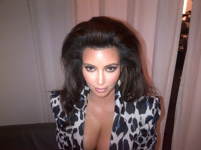 Kim-Kardashian-Kardashian Kollection-Photoshoot-Latest-Cleavage