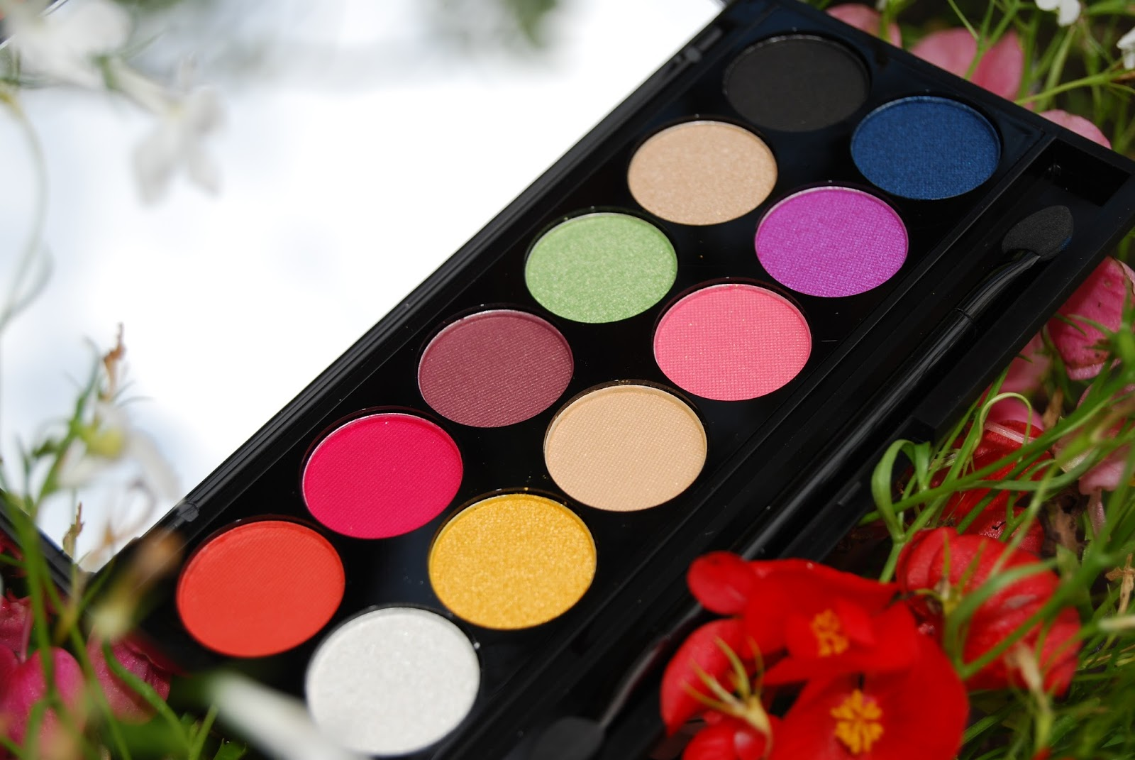 Sleek Make Up Rio Rio i-Divine Palette Limited Edition Eyeshadow