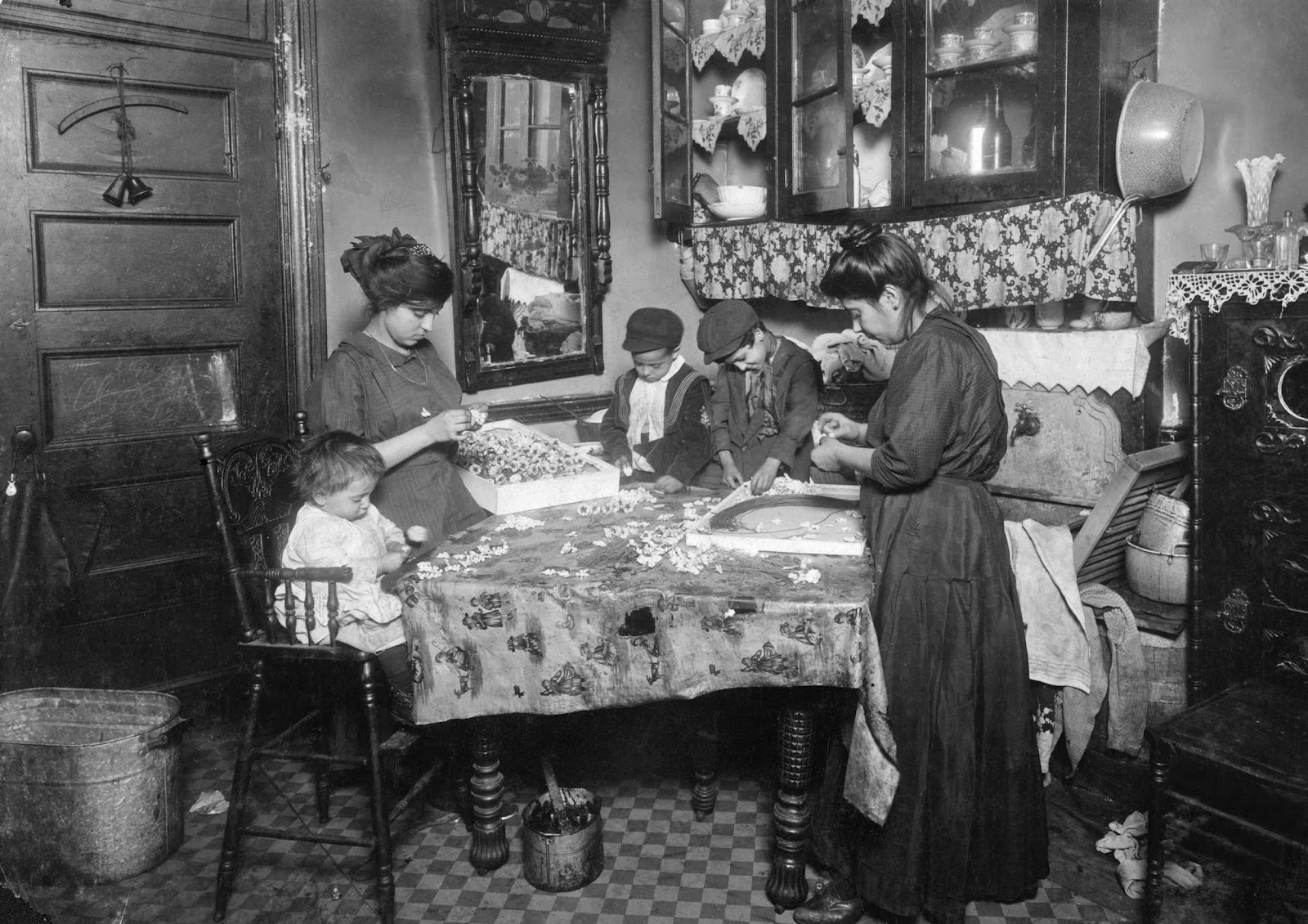 History In Photos Lewis Hine Tenement Workers