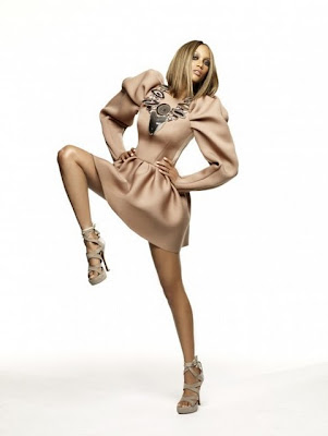 >Tyra Banks en Laquan Smith pour la promo de TypeF.com