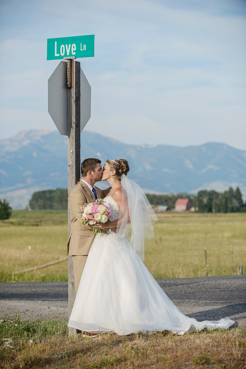 Montana Bride & Groom / Photography by Doug Loneman