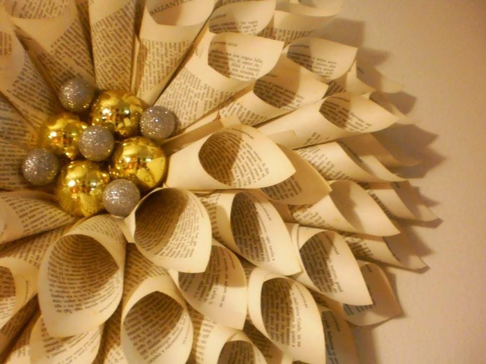 No solo de punto de cruz decorazioni natalizie fatte con - Corone natalizie da appendere alla porta ...