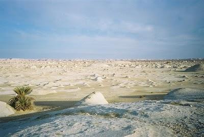 Pemandangan Gurun Pasir Putih Yang Eksotis Dan Mempesona [ www.Up2Det.com ]
