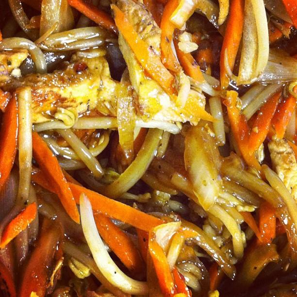Quick and Easy Chicken Stir Fry - My Best Badi