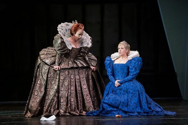 Carmen Giannattasio and Joyce DiDonato in Maria Stuarda at the Royal Opera House (c) Bill Cooper / ROH 2014