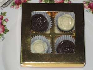 Door Gift- 4 pcs chocs + cavity box