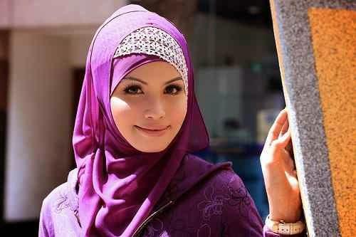 cara memakai jilbab pesta