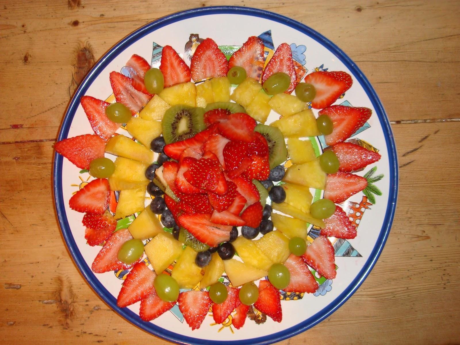 Fruit salad decoration for baby shower - YouTube
