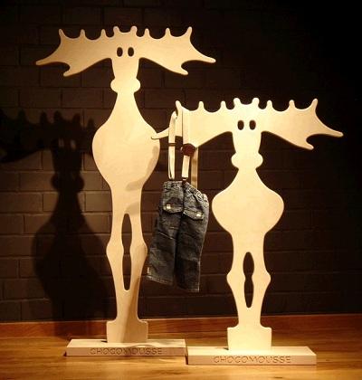 Cachivaches percheros originales percheros de pie for Percheros en madera