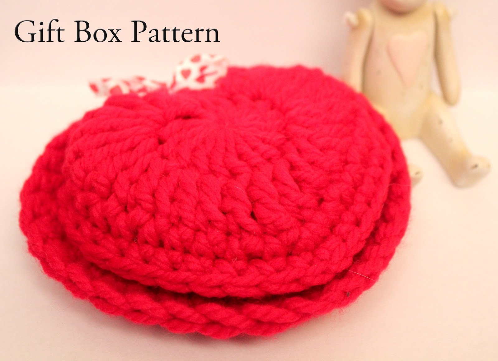 In karapoozville crochet heart gift box pattern crochet heart gift box pattern bankloansurffo Images
