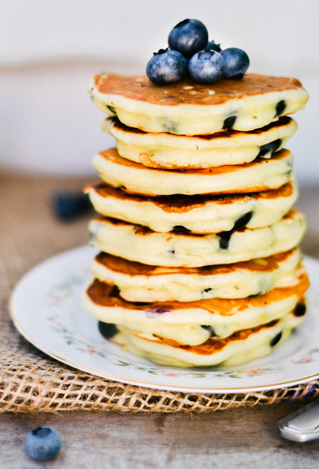 tasty tuesday: lemon blueberry pancakes