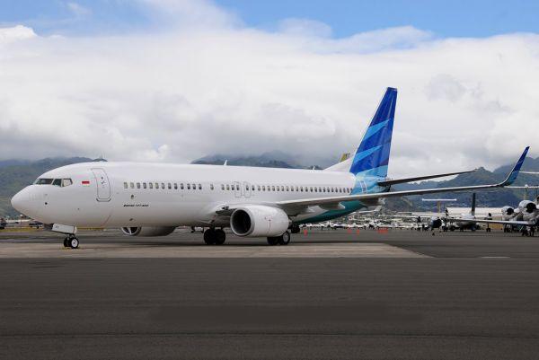 Gambar Pesawat Terbang BOEING 737-400 VVT-I