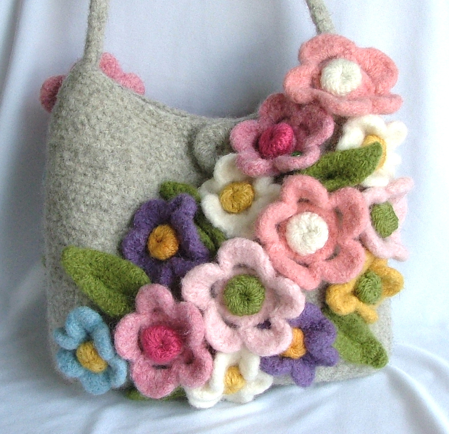 Woolen Crochet Purse : Felted Crochet Bag Pattern - Your Own Purse Making Guide