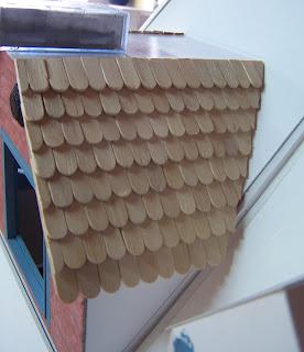 les mains calmes comment faire une toiture en tuiles plates. Black Bedroom Furniture Sets. Home Design Ideas