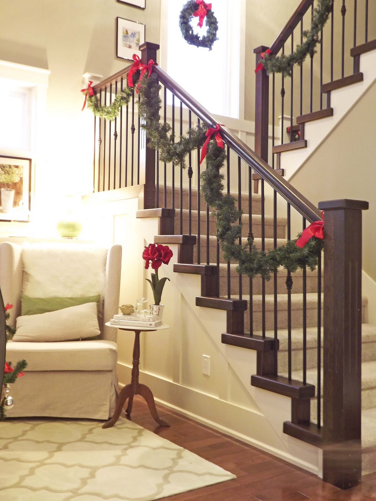 Christmas staircase for Stair railing decorated for christmas