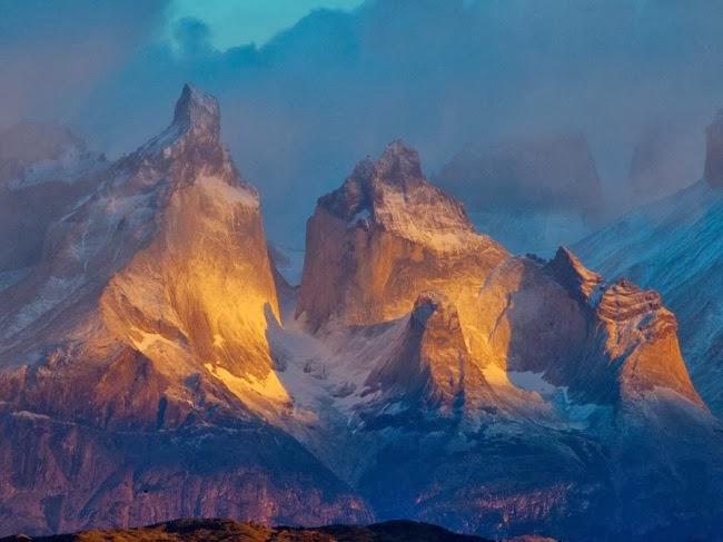 Фото сделано на краю Торрес-дель-Пайне в национальном парке Чили. © Ричард Дюерксен