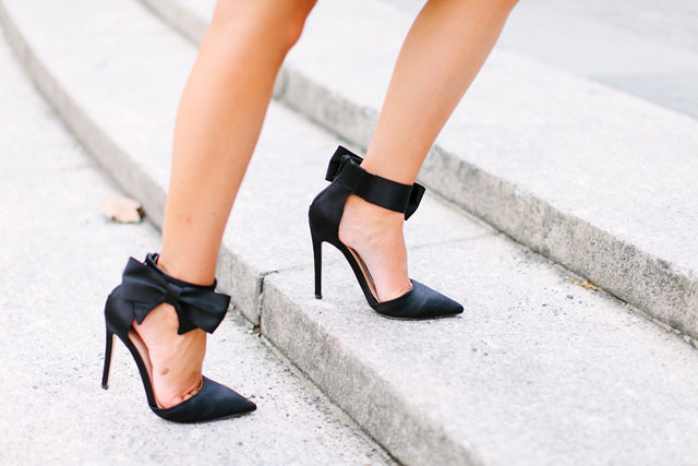 LOVE the bow heels