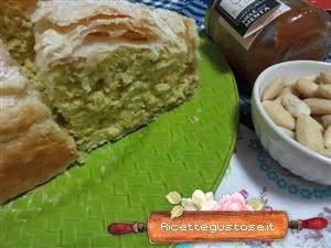 http://www.ricettegustose.it/Torte_1_html/Torta_pasta_sfoglia_alle_mandorle.html