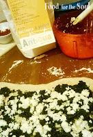 Treccia di pane-pizza con ripieno trigusto: preparazione