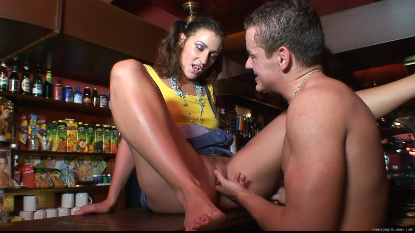 http://3.bp.blogspot.com/-APhq8oB8wKk/Ts6IosuLtHI/AAAAAAAACZg/-6lh86PbPY8/s1600/Teenage+Group+Sex.org+-+Helena+%2528Prvni+Casting%2529.jpg
