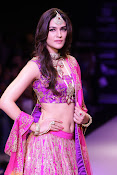 Kriti Sanon Latest Pictures at IIJW 2015-thumbnail-12