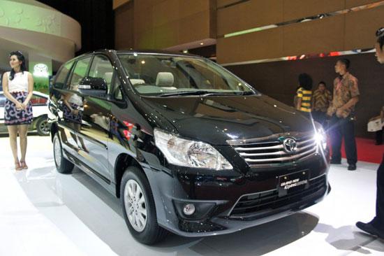 http://3.bp.blogspot.com/-APnBK1hI5Hs/TizToOVXyNI/AAAAAAAAD6s/TmOc_YSjV8k/s1600/Toyota_Innova_2012_7.jpg
