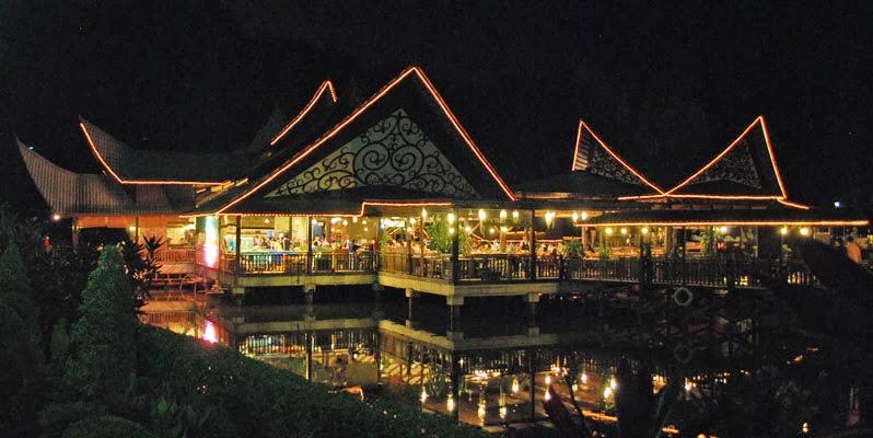 gerbang kota bharu september 2013restoran kampung nelayan di taman tun fuad,