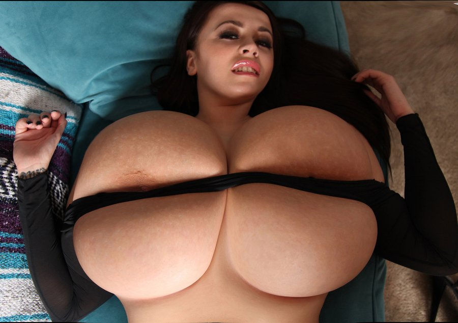 hot nude giant female boobs