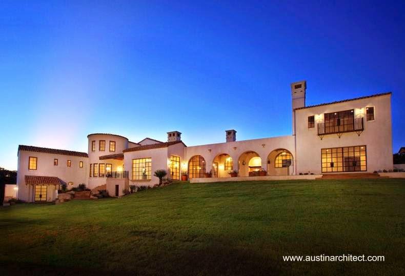 Casa doble residencial de gran extensión estilo Spanish Revival en Estados Unidos