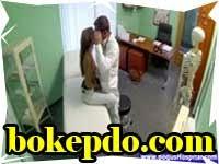 Dummy Doctor Seducing Patient