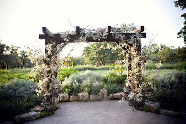 Altar con arco de paniculata