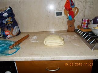 torta di mele  a spirale con pasta sfoglia ...ciambellone  di banana