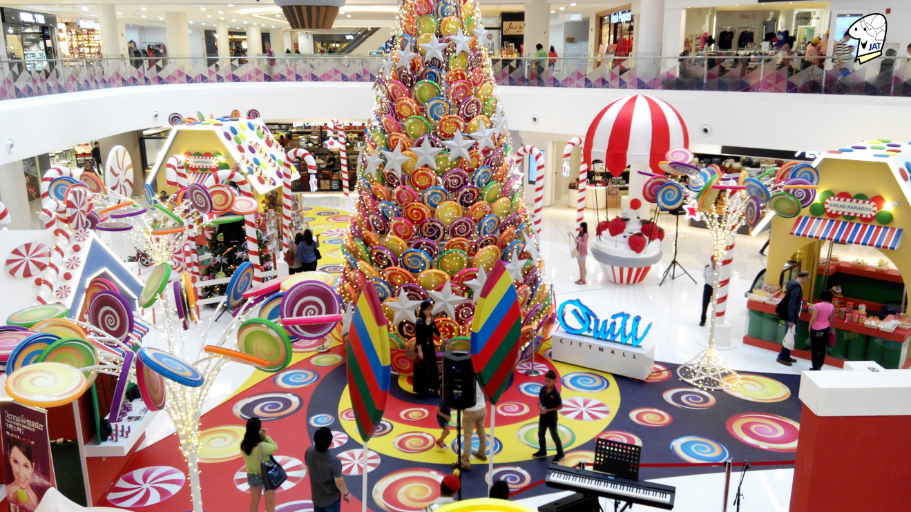 Quill City Mall, Centre Court Christmas decorations.