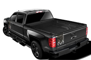 Chevrolet Silverado 1500 LTZ Z71 Realtree Edition Crew Cab (2016 Rendering) Rear Side