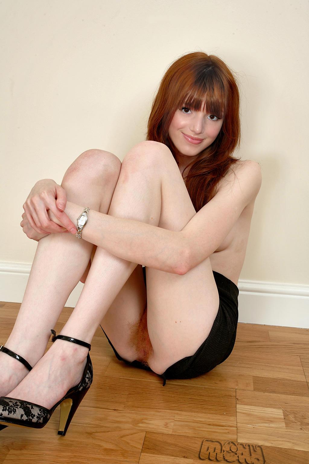 Naked Bella Thorne Nude