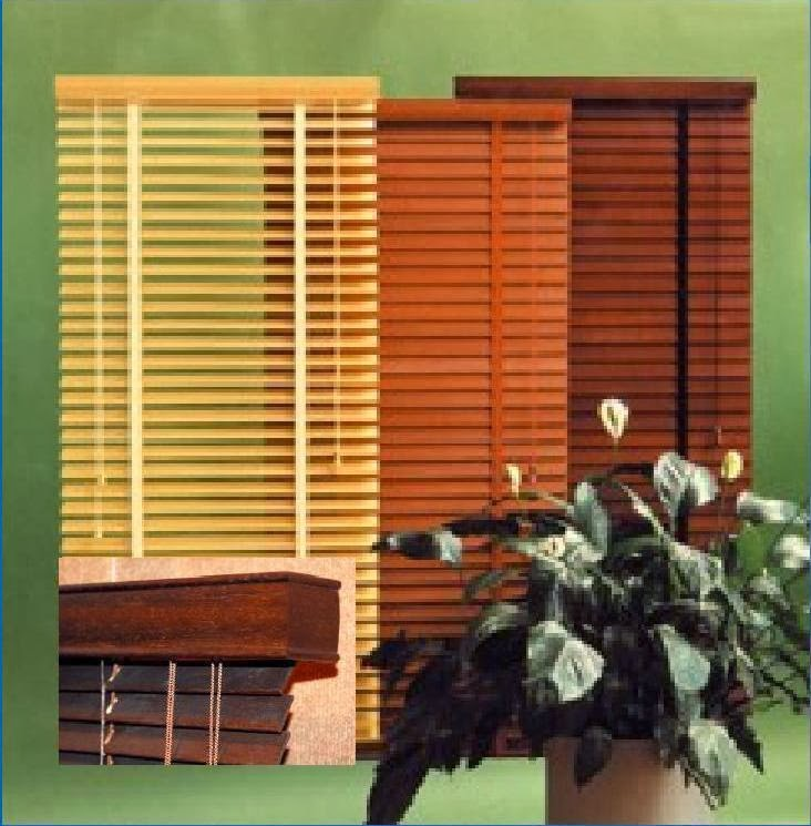 Decoracion interior cortinas verticales estores for Estores de madera