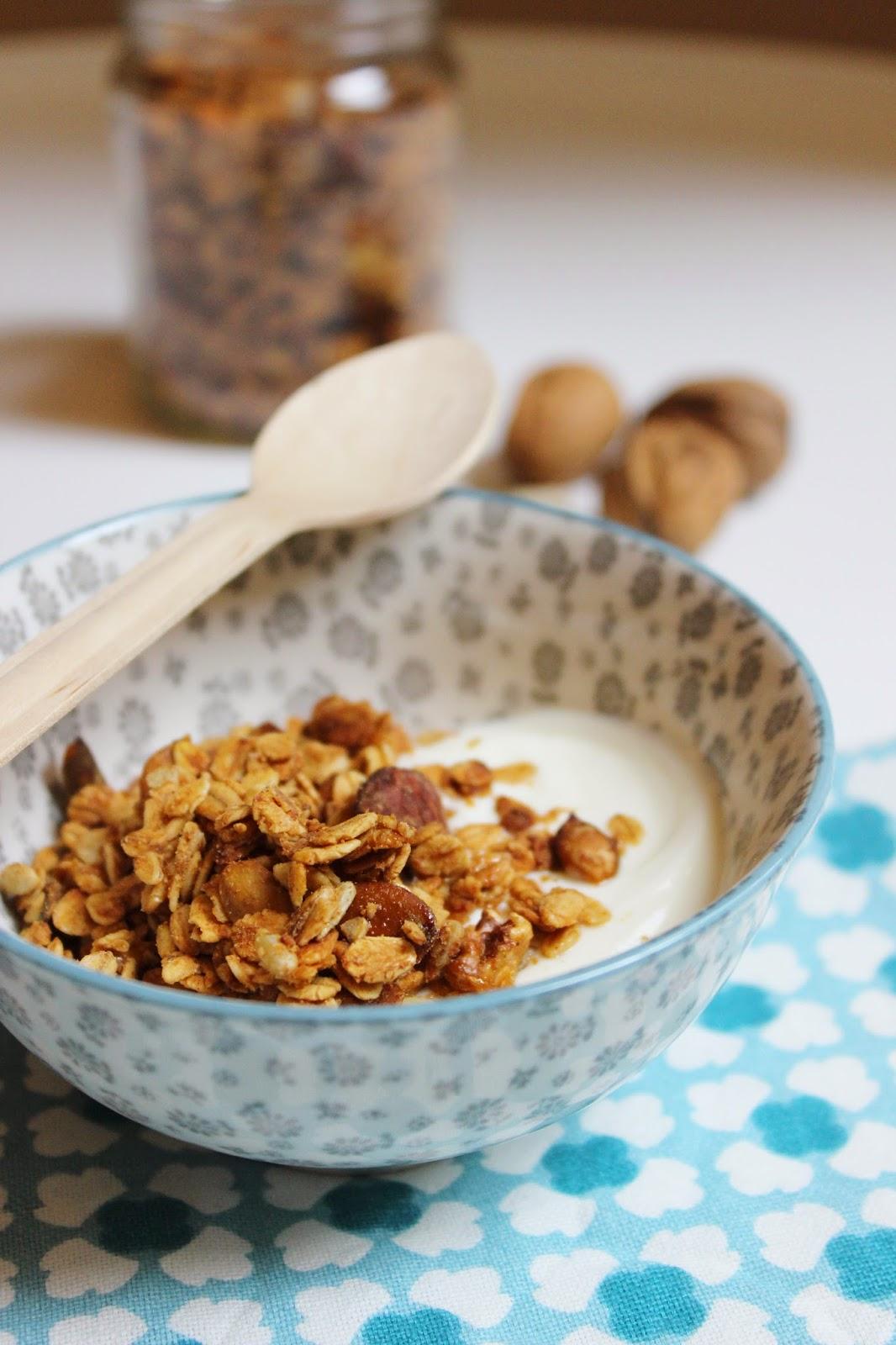 granola fatta in casa: la mia ricetta con burro di arachidi e semi di zucca