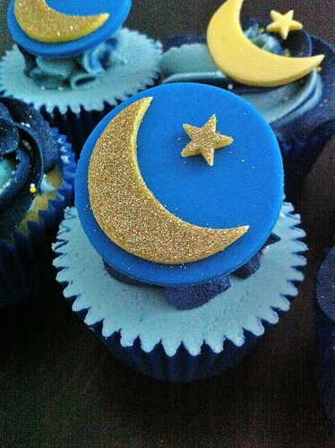 how to make blue moon cupcakes
