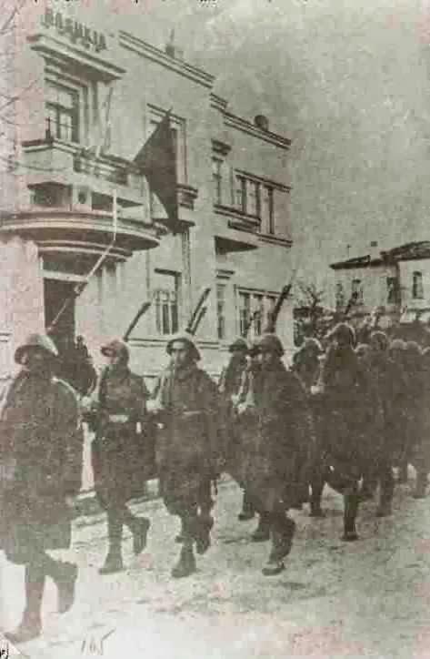 Η είσοδος του ελληνικού στρατού στην Κορυτσά