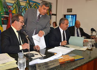 CPI da Câmara Municipal de Teresópolis convoca prefeito Arlei Rosa
