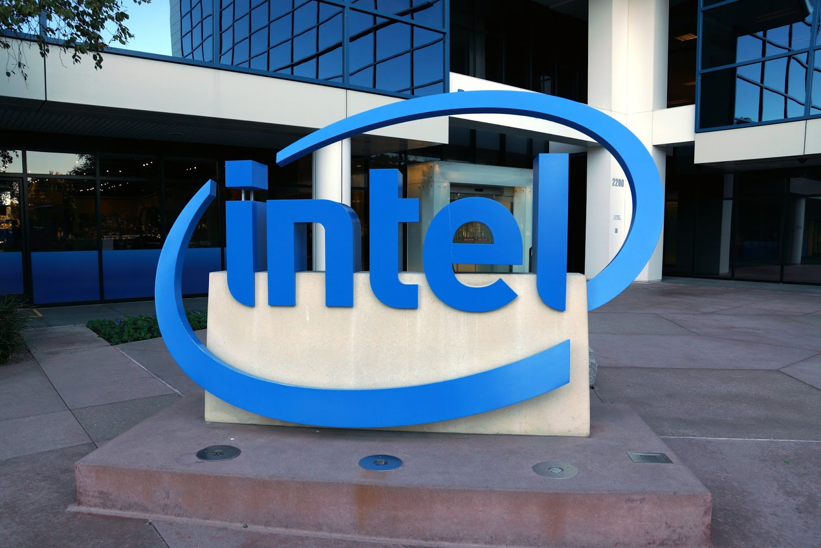 Top 10 world's most valuable tech brands intel