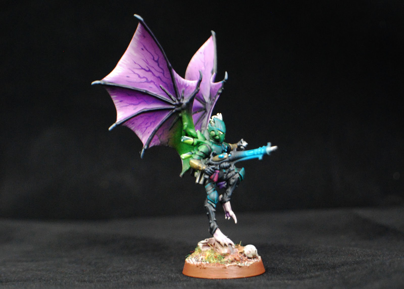 EOE's Dark Eldar Painting Tutorials  BW+Scourges+Painted+13