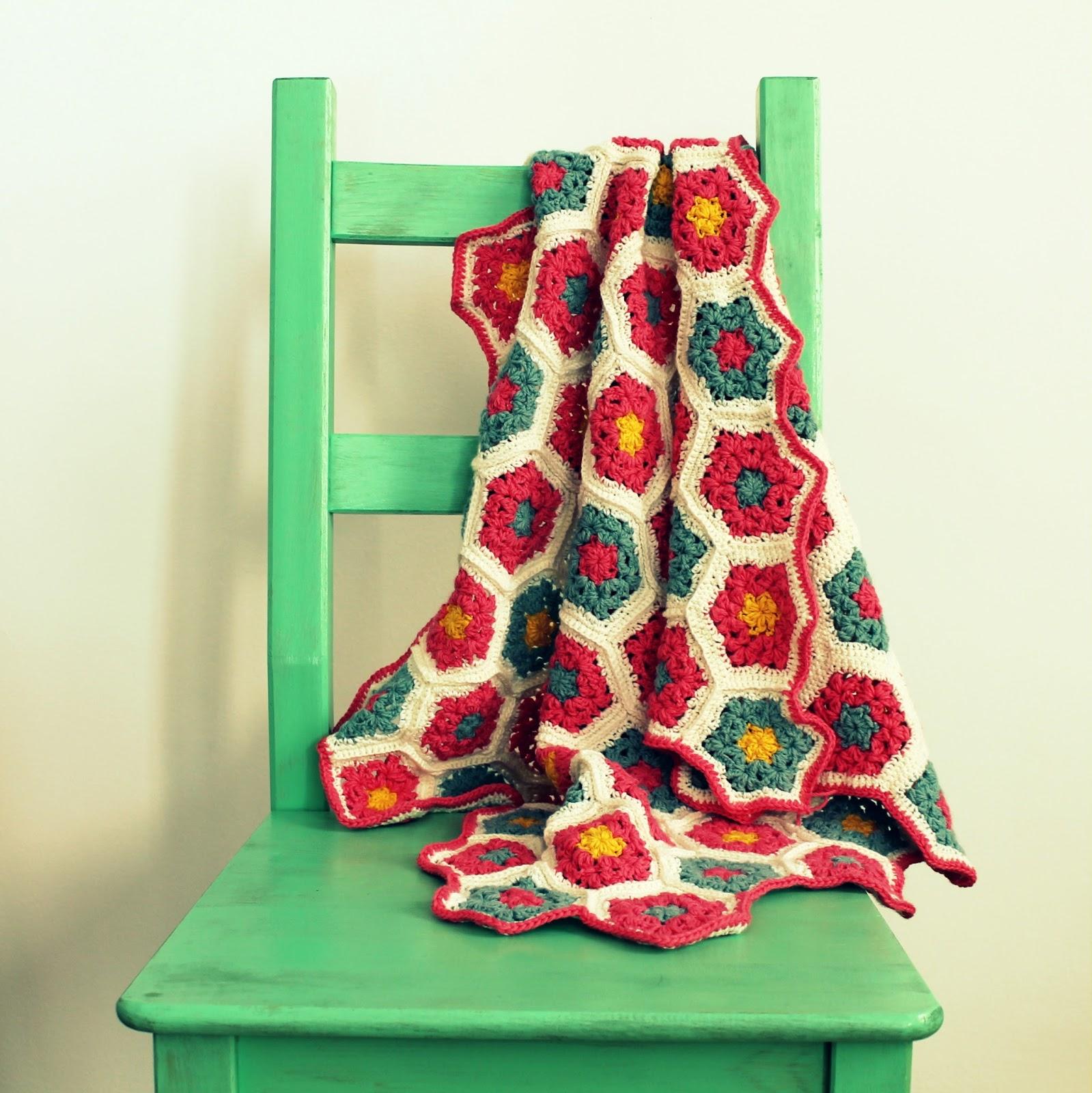 Colcha de hex gonos a crochet ahuyama crochet for Colchas de punto de lana