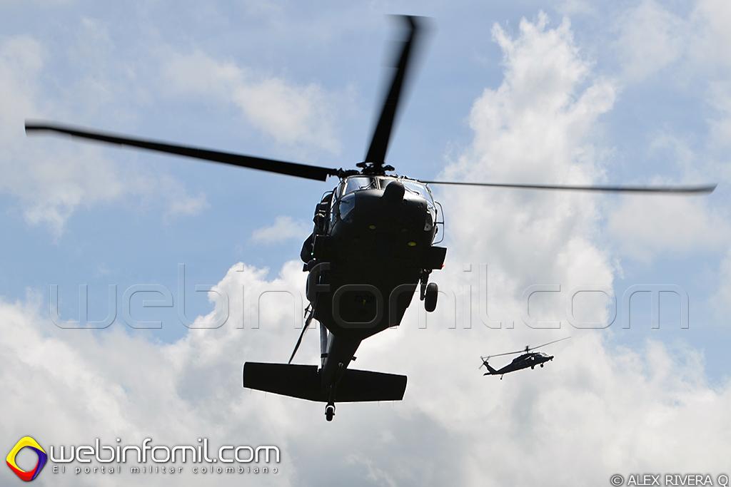 Black Hawk de matrícula FAC4106 y AH-60 Arpía III de matrícula FAC4125.